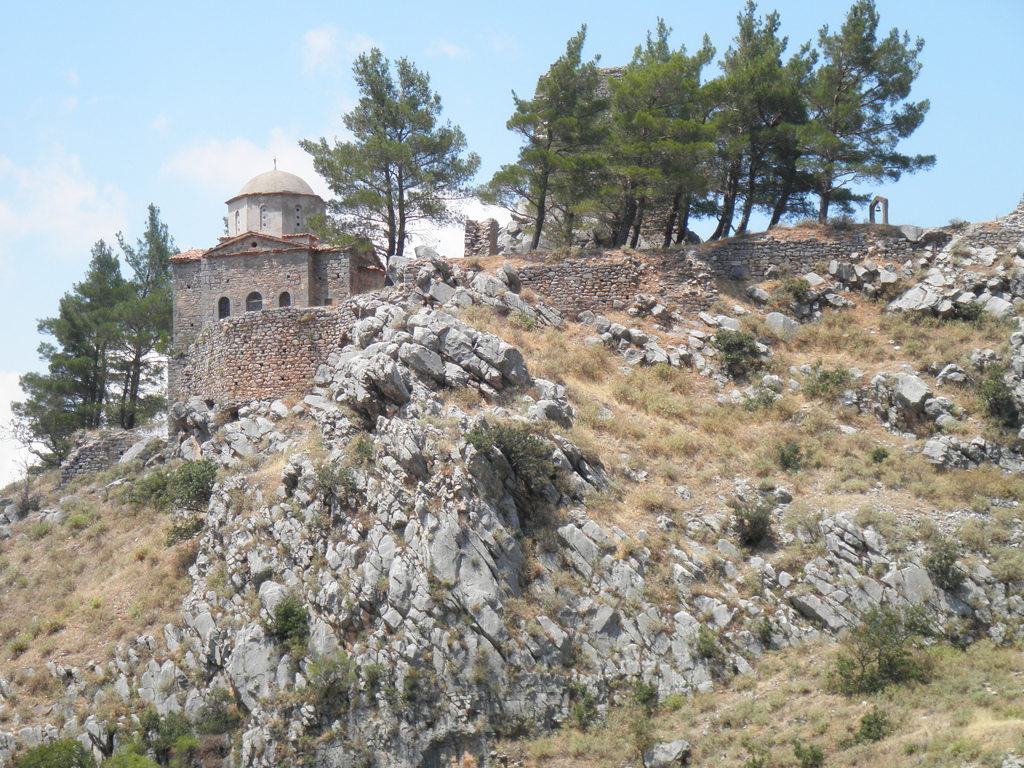 Ταβέρνα Ο Νώντας - Λιβαδειά Αξιοθέατα - Το κάστρο